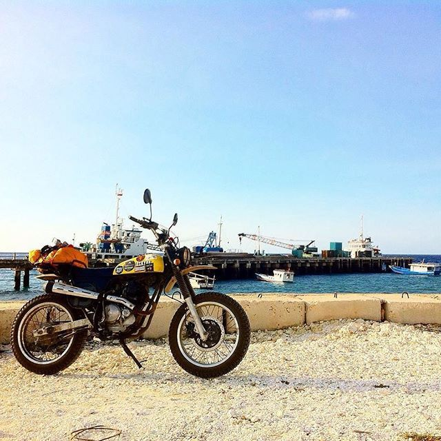 Repost from one of our friends from @bckyrdcustoms, @arfn. This picture taken at Waikelo Harbor, West Sumba. What a lovely sunny day.  #VerneIndonesia #VerneLeatherworks #verneleather #saddlebag #bckyrdcustoms #backyardcustoms #BCKYRDexperience2016 #BCKYRDexperienceGOEAST #BCKYRDFASTFWD2016 #customculture #motoinmode #caferacerxxx #caferacerworld #croig #trackers #scramblers