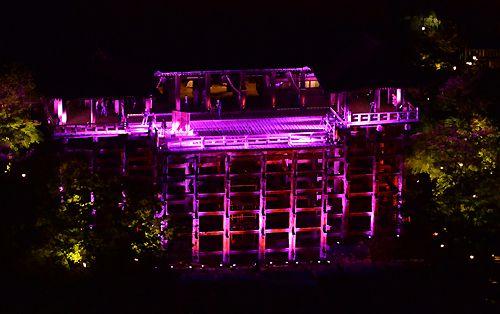 【写真特集】大阪城や清水寺をピンクにライトアップ 10月は乳がん啓発月間