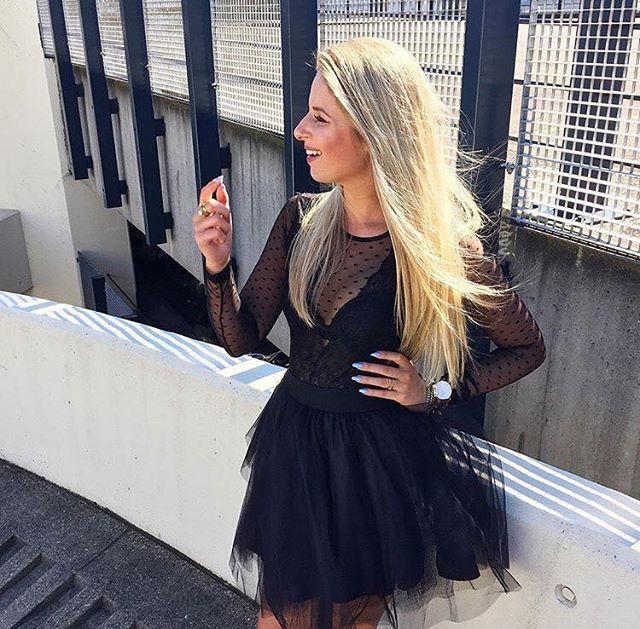Korte zwarte tule rok