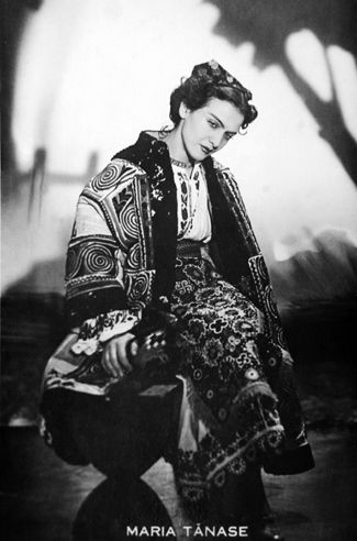 Maria Tanase wearing a romanian traditional outfit.