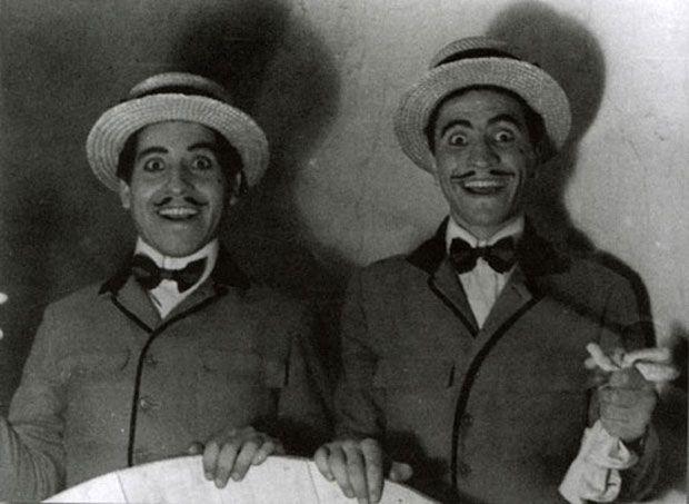 La vida de Víctor Jara en el teatro ~ Fotos Inéditas