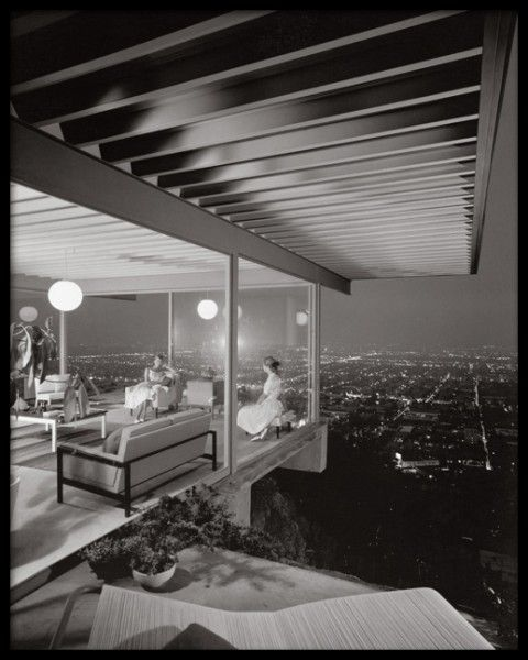Pierre Koenig, Case Study House #22, Los Angeles, California, photographed by Julius Shulman. (from yellowtrace blog)