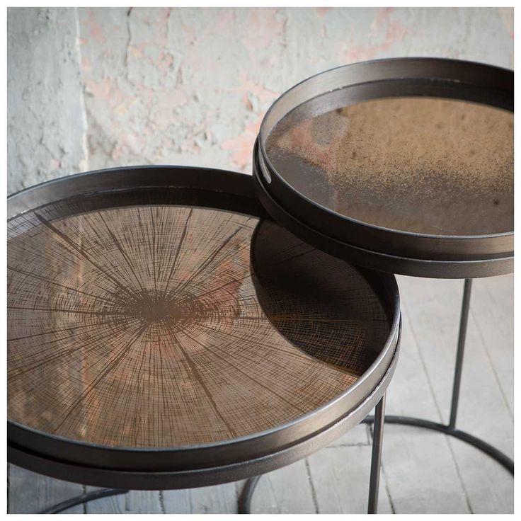 #Notre #Monde #Bronze #Slice #Dienblad is een ontwerp van kunstenares #Dawn #Sweitzer. Een bronzen dienblad dat een speciaal verouderingsproces heeft ondergaan. Met deze aparte look past het dienblad werkelijk in ieder interieur! | MisterDesign
