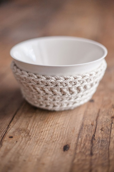 Crochet Bowl. Ideal for hot dishes or snacks on the table!