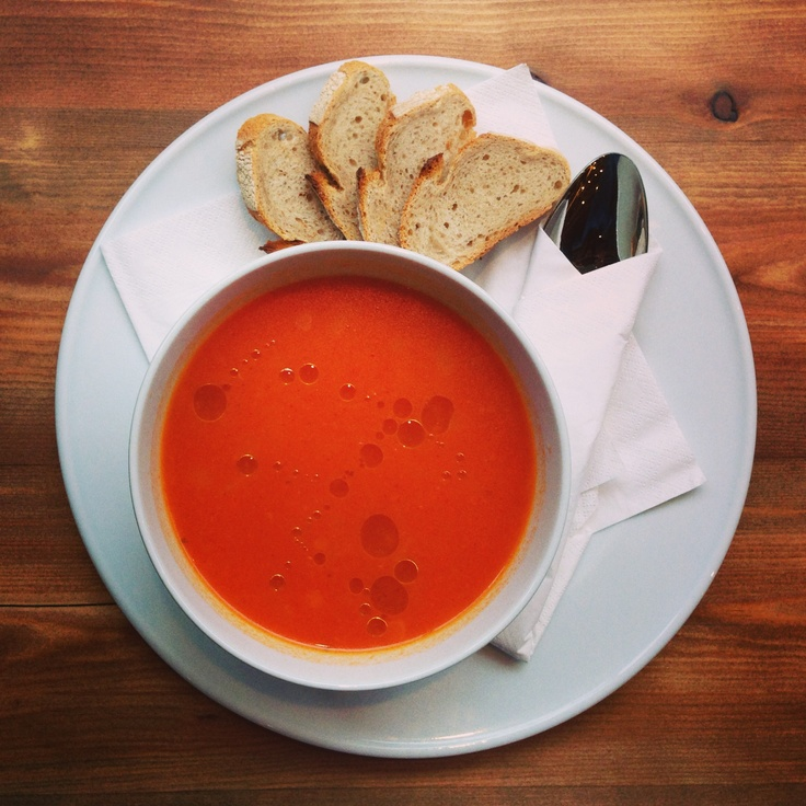 Trahanas with tomato sauce