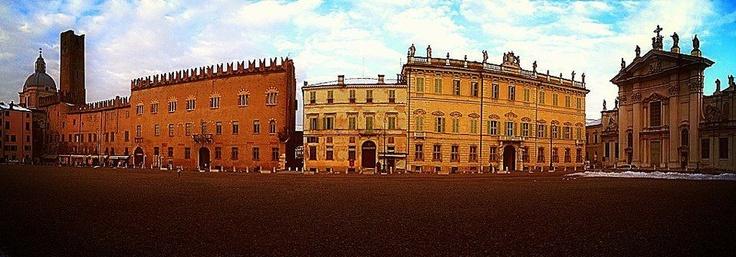 #Piazza Sordello - Mantova, Italy #mantova #art #culture #palace #palazzo #ducale #rinascimento #gonzaga #sordello #place  @Lago Di Garda Lombardia #mantua