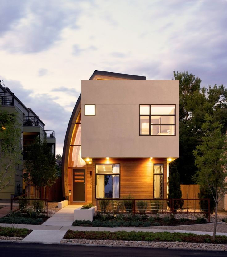 Shield House in Denver, Colorado - Design by Studio H:T Architects (View of entrance from street (Photo:Raul Garcia) ) | #Architecture #House |