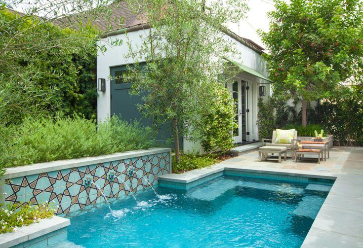 Try These 23 Beautiful Mediterranean Pool Designs Spanish Bungalow Mediterranean Decor Swimming Pool Designs