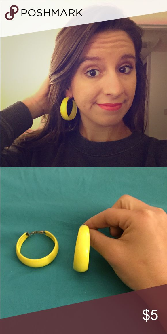 Yellow hoop earrings Awesome yellow hoop earrings to put some color in your outfit. Jewelry Earrings