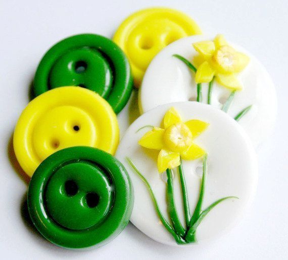 Daffodil handmade buttons set of 6 by TessaAnn on Etsy