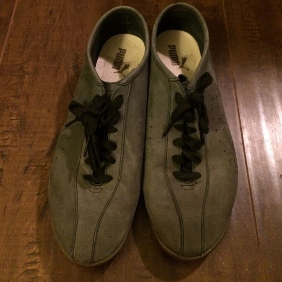 Men's Puma size 10 In great condition. Works well as dressier sneakers. Comfy and in great condition. Bought on Puma website Puma Shoes