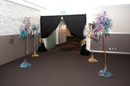Make your entrance look amazing and elegant by using a black draping! #event #decor #setup