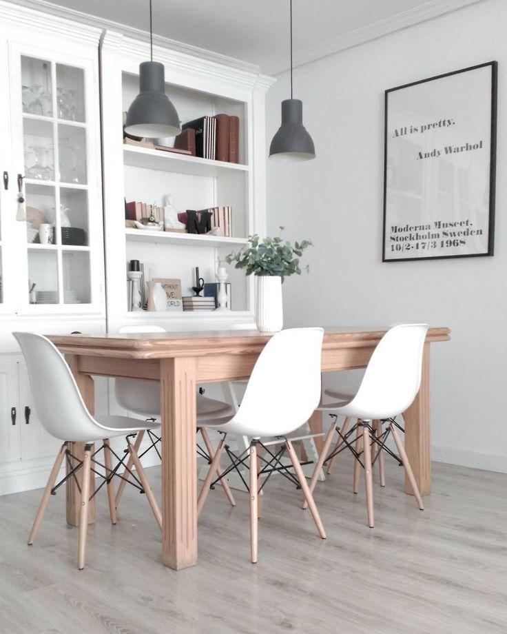 """""""Mi piace"""": 371, commenti: 4 - Dalani.it (@dalani.it) su Instagram: """"Le sedie bianche sono un match perfetto per questo tavolo in legno naturale📸 @peli_pecas"""""""