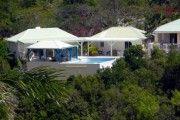 Bungalow de 40 m2 Bungalow au bord de la piscine dans une propriete privee - Location Bungalow #SaintMartin #TerresBasses