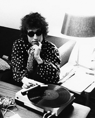 record player and bob dylan... please?
