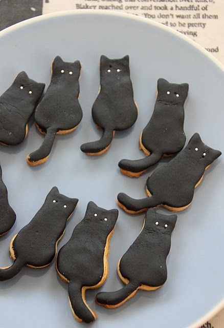 Black cat cookies - if someone wants to make these for CAT's staff..... we'll love you forever and ever