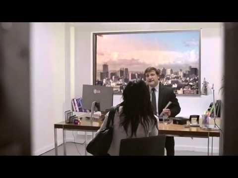 LG Ultra HD 84%27 TV Anuncio METEORO CAE EN LA CIUDAD - YouTube