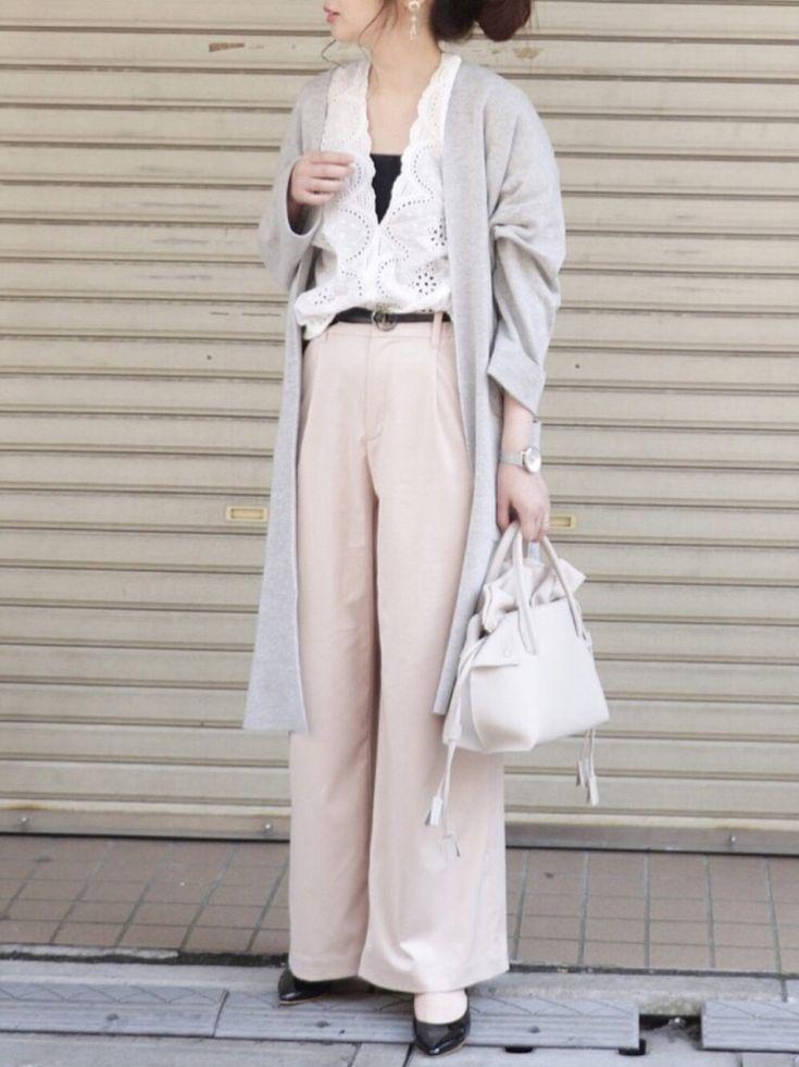 maiko さんのコーディネート グレー ピンク 白 ワイドパンツ ロングカーディガン