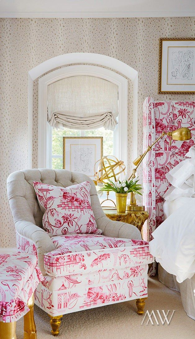 White And Pink Patterned Bedroom Design