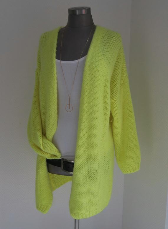 15744bbbb85ee1 Neon gelber Strickmantel, Cardigan gelb, gelbe Jacke, Mohair Chunky Knit  Cardigan, Grobstrickjacke