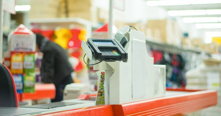 """""""22 Secret Confessions From Cashiers That May Shock You - Cash, or credit?"""""""