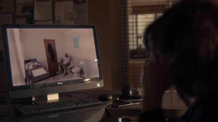 Dell computer used by Katherine Moennig in RAY DONOVAN: FEDERAL BOOBIE INSPECTOR (2016) @dell