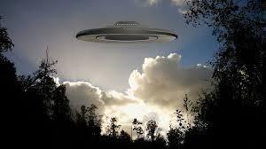В США очевидцы сняли в небе гигантский полупрозрачный НЛО http://oane.ws/2017/10/02/gigantskiy-poluprozrachnyy-nlo-navis-nad-ssha.html  Загадочное явление запечатлели на видео жители США: в небе они увидели гигантское пористое образование. Полупрозрачный НЛО, окутавший огромную площадь, поставил в тупик самых отъявленных скептиков, называющих  сведения о пришельцах галлюцинациями суеверных граждан.