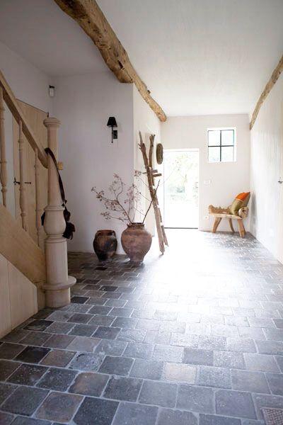 Oude gesmoorde terracotta vloertegels | antieke estriken als vloertegels behandeld met oxan.