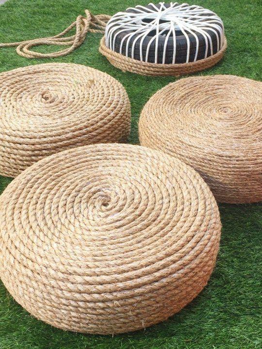 Resultado do que você pode fazer com corda e pneu. Utilize como assento ou mesinha. Ótima dica de decoração para áreas externas.