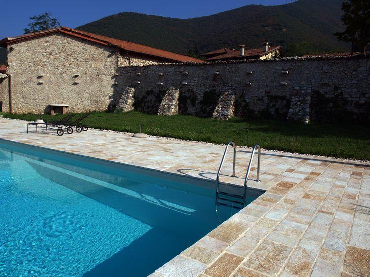 #floor #pool #natural #garen #stone #pebbles #flooring #lovering #italian