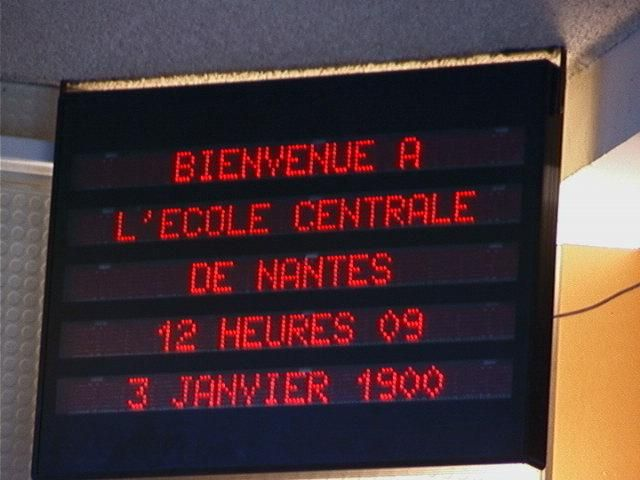 Superb An electronic sign displaying the year incorrectly as on January in France