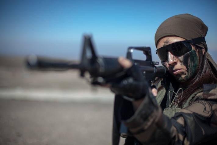 Kadın TÜRK Askeri