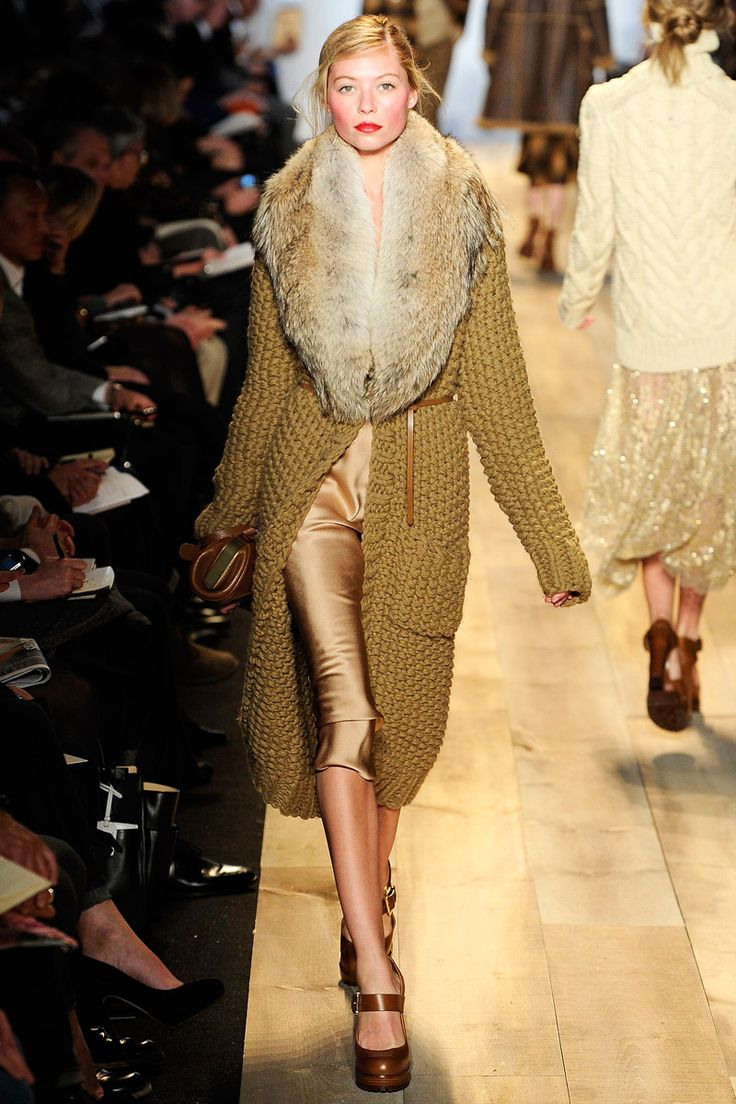 Can I please borrow several thousand dollars?!  It's a necessity....gold capris.