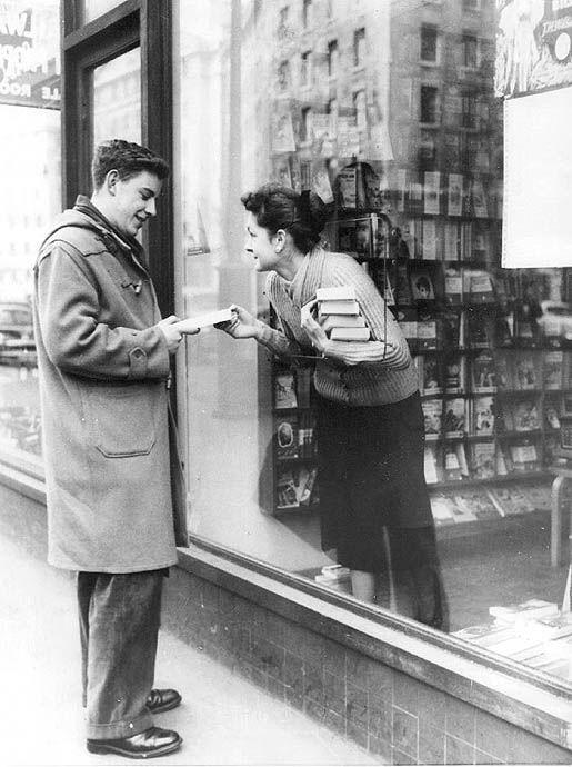 London book store, 1956.  (Source: susiesnapshot, via dragonflydance)