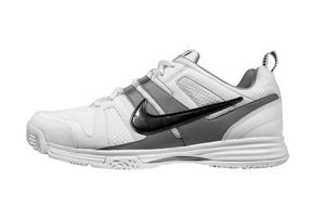 New fencing shoe from Nike - the MultiWeapon.  $85.