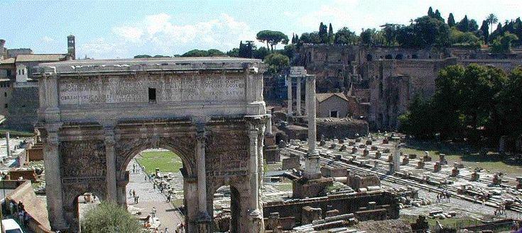 Palatiumin pohjoispuolella sijainneeseen laaksoon muodostui Rooman tärkein tori, Forum Romanum. Forum oli Rooman poliittisen vallan keskus ja siellä käytiin oikeutta, hallinnoitiin, harjoitettiin kauppaa sekä uskonnollisia menoja. Uusin päällyskerros syntyi keisari Augustuksen aikana (27 e.Kr.–14). Ensimmäiset alustavat kaivaukset tehtiin kuitenkin vasta 1700-luvulla. 1900-luvun alussa Forum Romanum saatiin kaivettua täysin esille maasta.