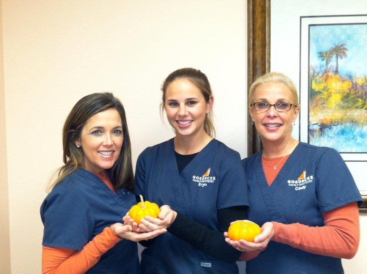 Goedecke Family Dentistry is lending a hand to help Seacoast Church feed 5,000 people this Thanksgiving. Will you join us? If so, please bring a cooked casserole or dessert by the office on Wednesday, November 21, 2012 between the hours of 9-2.