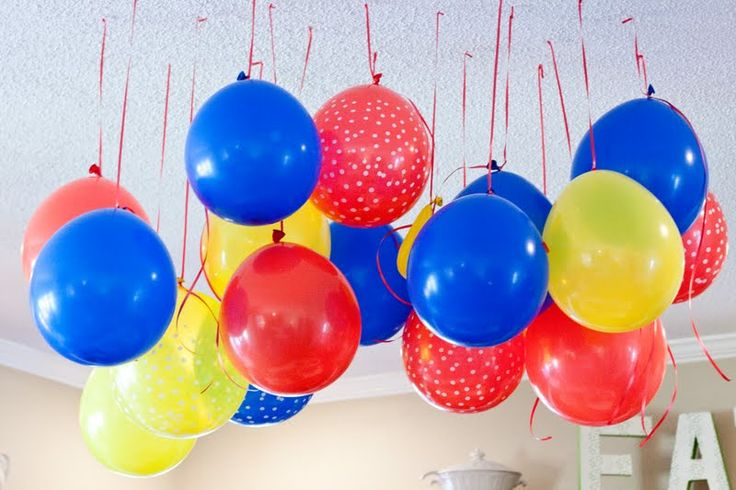 pinterest super hero party games | Also taken from Pinterest balloons hung from the ceiling so I didn't ...