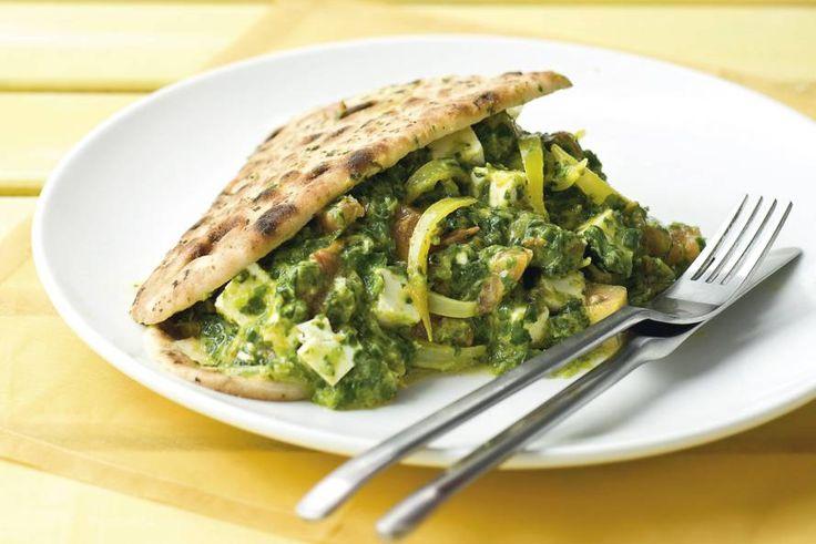 Spinaziecurry met kaas en naanbrood - Recept - Allerhande