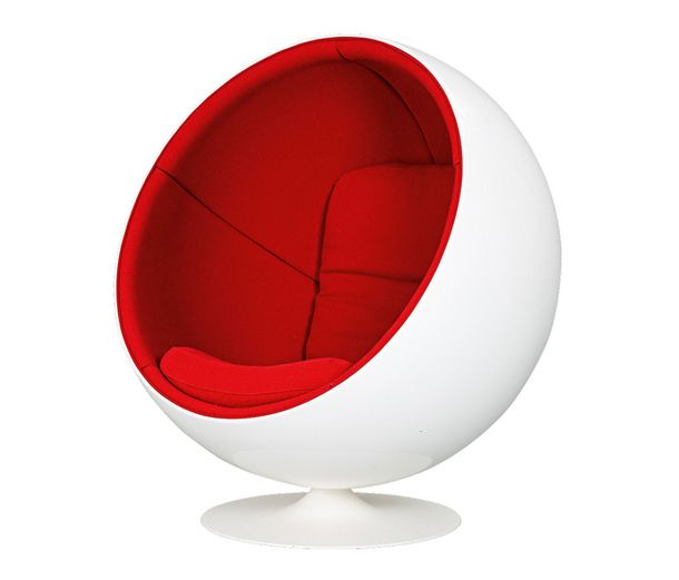 Круглое кресло в бело-красном цвете