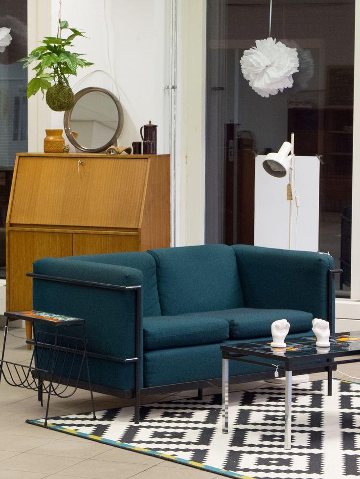 Ocean green couch retro livingroom