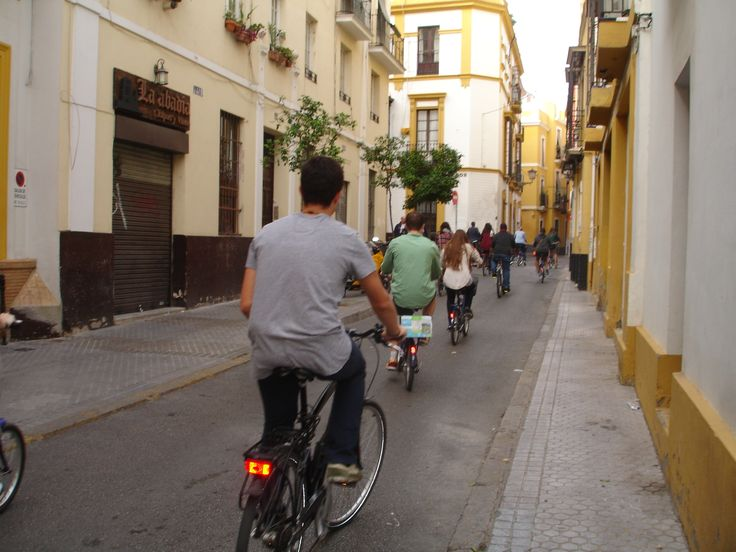 Bike rental and guided tours in Seville