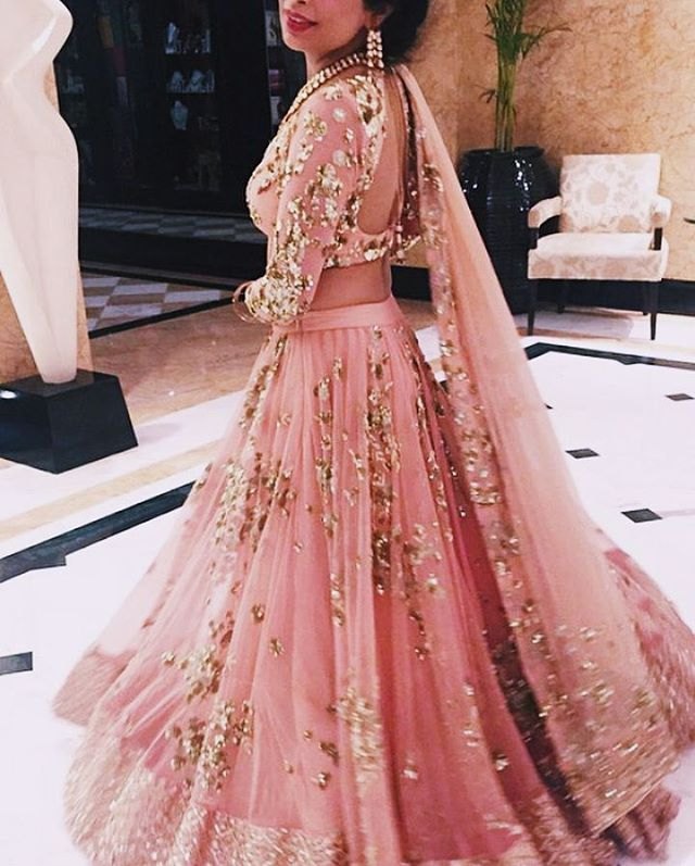 "76 Likes, 5 Comments - D E S I F A S H I O N (@thebrowngirlguide_) on Instagram: ""Absolutely love this baby pink lengha by @asthanarangofficial 