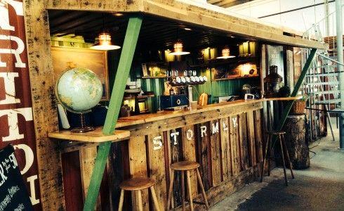 Copenhagen: Copenhagen Street Food - ex capannoni con piccoli stand che propongono cibo di strada da tutto il mondo