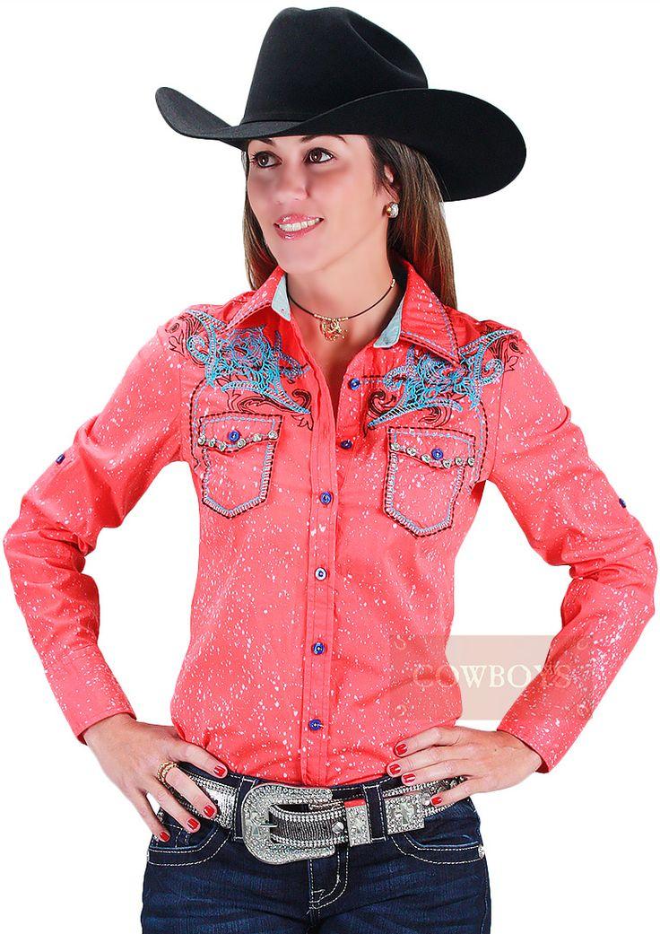 Camisa Feminina Country Laranja Roar. Camisa feminina manga longa, rica em detalhes. Bordados na parte frontal e nas costas, taxas incolores, dois bolsos. Como não amar as camisas da Loja Cowboys? São diversos modelos para agradar os mais diferenciados gostos.