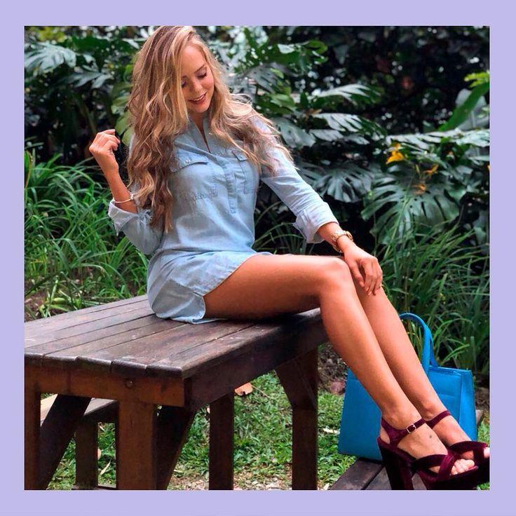 """1,390 Me gusta, 36 comentarios - ELA (@moda_ela) en Instagram: """"Denim + velvet, ¡amamos este look! 💜 #ELAGIRLS @laurarporpo Vestido Ref. E068761 - Disponible en…"""""""