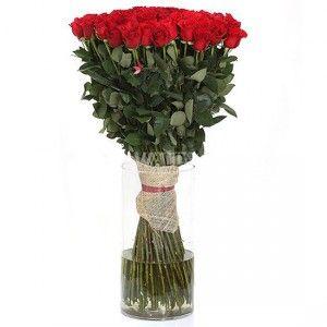 Высокие розы - признак Вашего теплого отношения и нежнейших и страстных чувств к женщине, которые Вы можете выразить без слов. Букет из 51 высокой красной розы (1 метр) идеально подходит для этого.