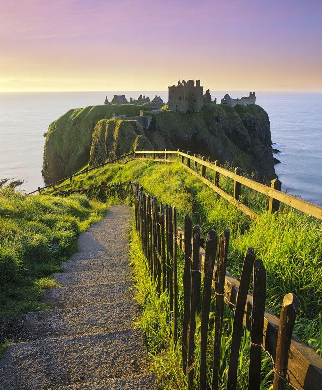 Descent Into Ruin · Dunottar Castle © Ian Cameron