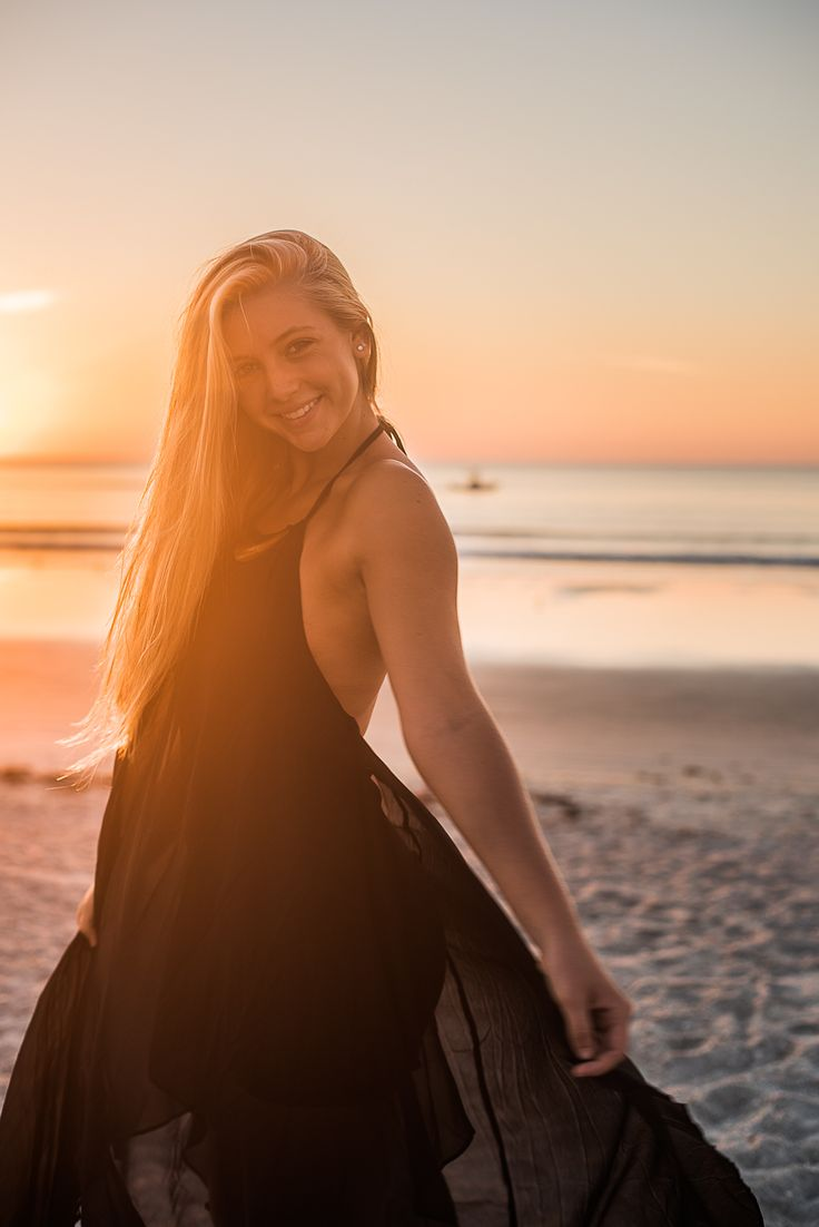 Senior pictures, Simon and sally photography// girl senior pictures, senior pictures at sunrise, senior pictures at sunset, senior picture at the beach, beach senior picture, beautiful senior picture, senior picture idea