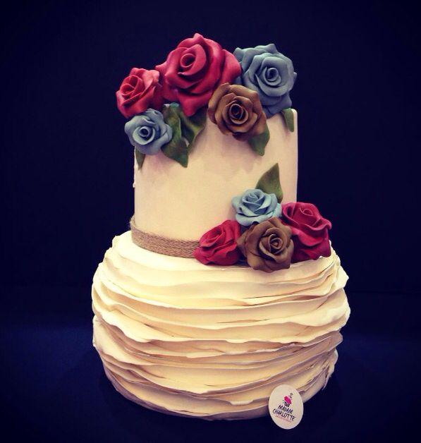 Rossy Rose !! Engagement Cake ...